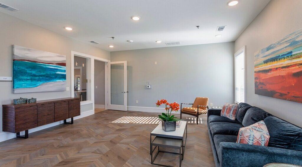 Lavon Apartments club room