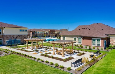 Lavon Apartments garden area